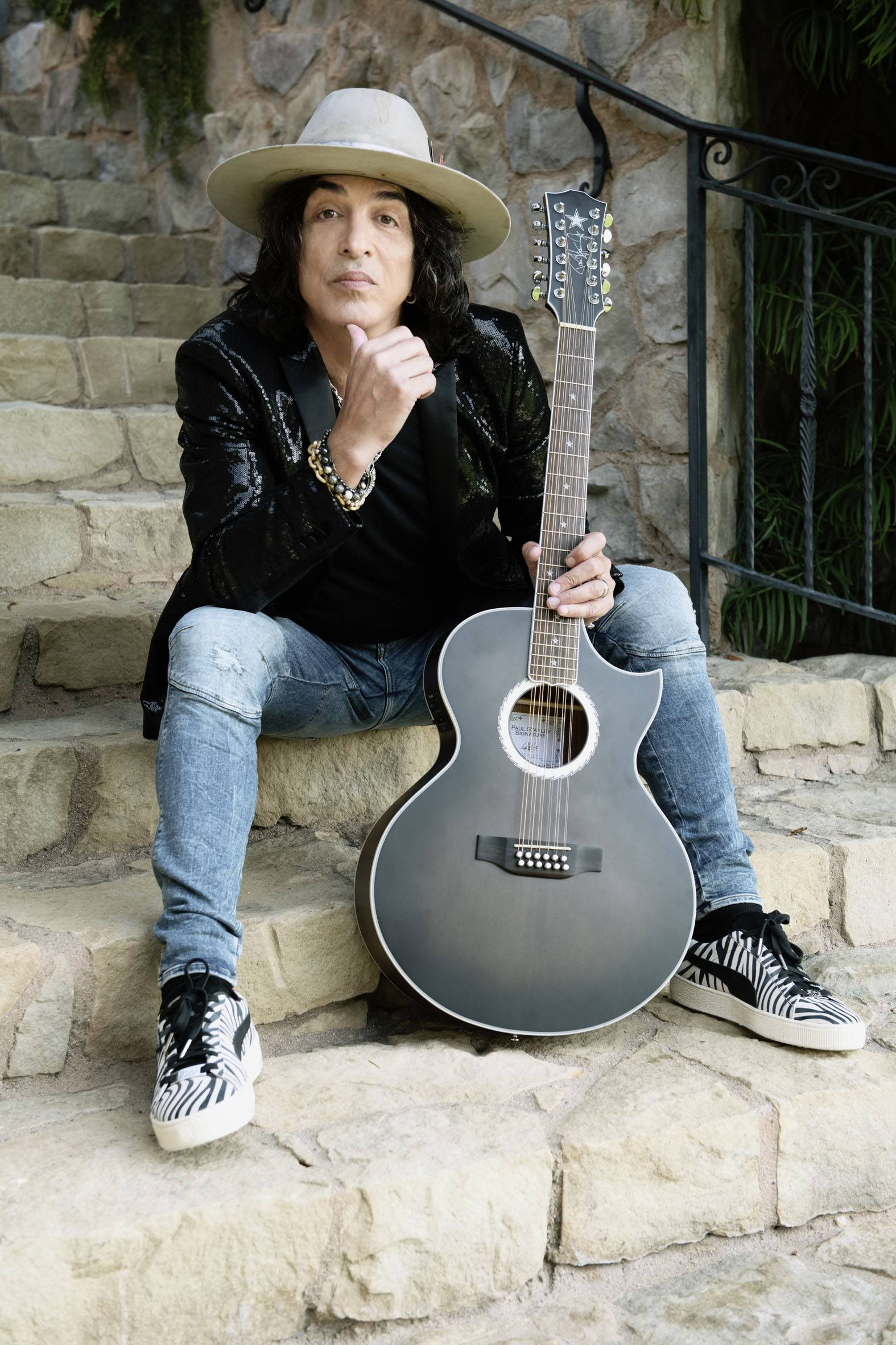 purchase cheap a1953 f3d53 Rock legend Paul Stanley collabs with PUMA for Iconic Suede ...